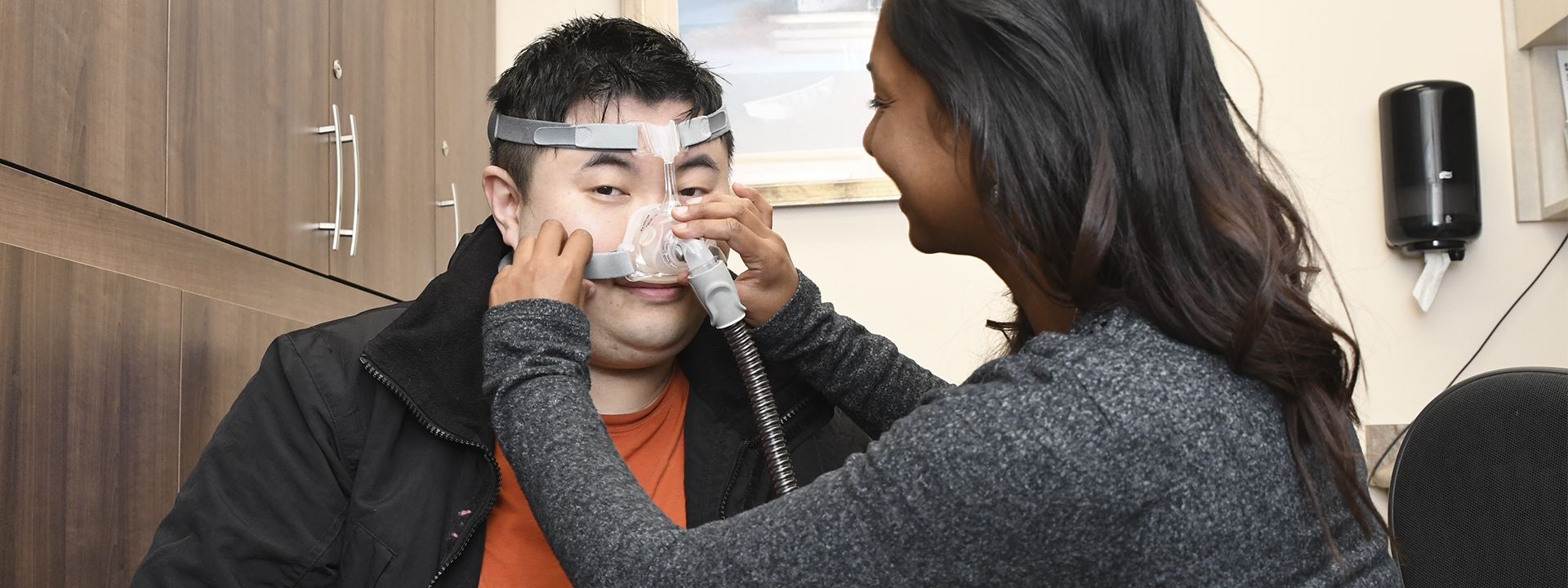 Fitting a cpap machine to a patient